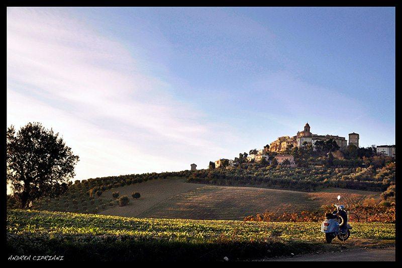 Un viaggio in vespa per le colline di Monteprandone  © Andrea Cipriani