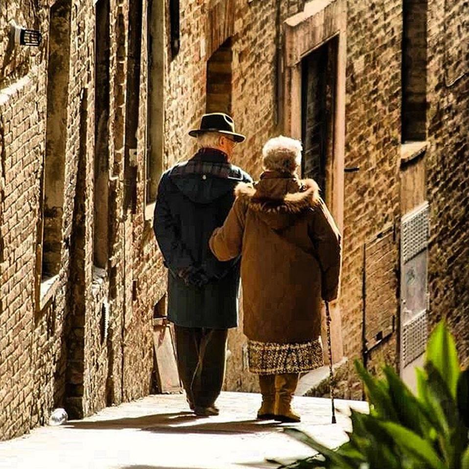 Una passeggiata tra i vicoli di Urbino (PU). Foto di © Gue4eyes