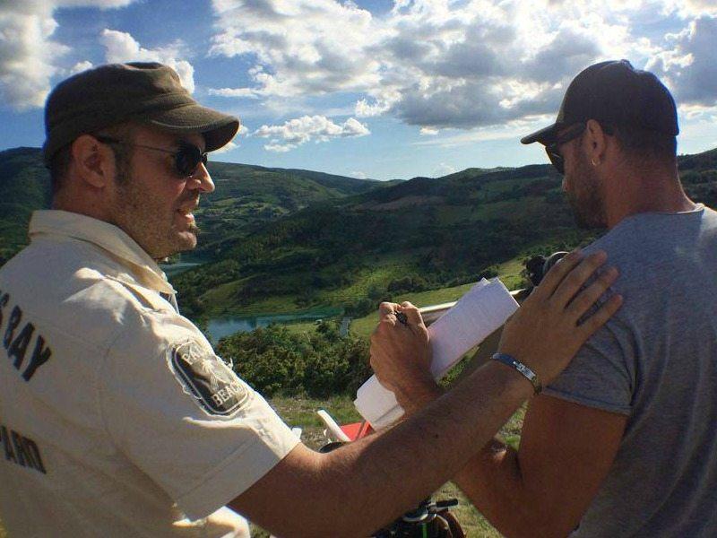 I due registi marchigiani -  Rovero Impiglia e Giacomo Cagnetti definiscono la scena dello spot delle Marche con Neri Marcorè
