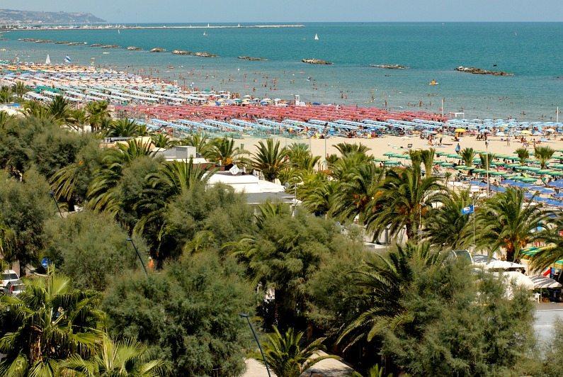 La spiaggia di San Benedetto del Tronto, bandiera blu delle Marche