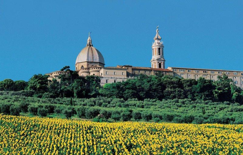 La Basilica di Loreto, uno dei santuari mariani più venerati al mondo
