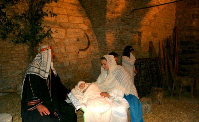 L'intima scena della Natività nel presepe di San Severino Marche (MC)