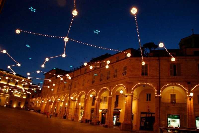 Piazza del Popolo di Fermo © Felice Bonfrate