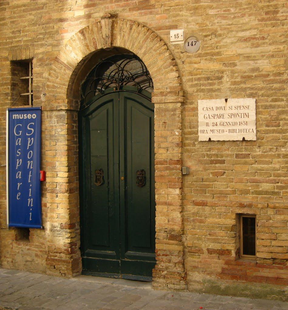 Il Museo Gaspare Spontini a maiolati Spontini (A) © Roberta Dona su Panoramio
