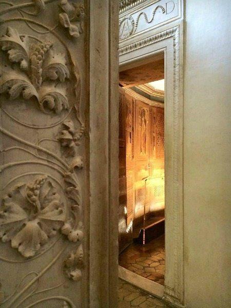 L'entrata dello Studiolo di Federico da Montefeltro, Palazzo Ducale di Urbino