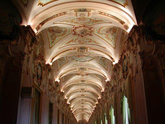 La galleria di Palazzo Pianetti, sede della Pinacoteca Civica  di Jesi (AN)