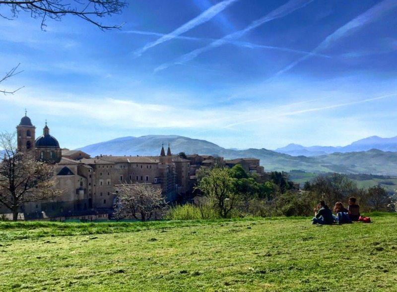 Il panorama dalle Fortezza Albornoz di Urbino © Paolo Mini