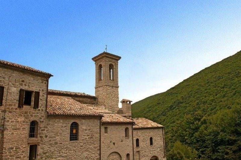Eremo di Santa Maria di Valdisasso © Marche Tourism