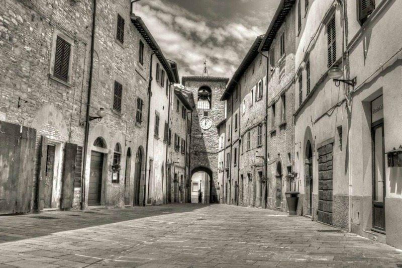 La torre dell'orologio di Apecchio © Mirko Marchetti