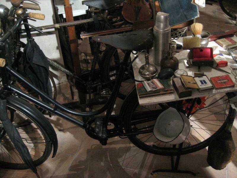 La bici del barbiere al Museo degli Antichi Mestieri di Massa Fermana (FM)