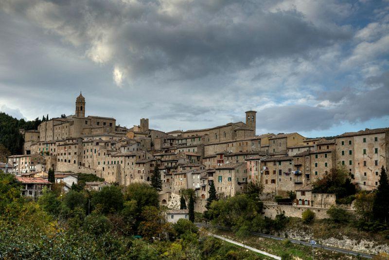 Serra San Quirico - Foto Enrico Matteucci (Flickr licenza Creative Commons)