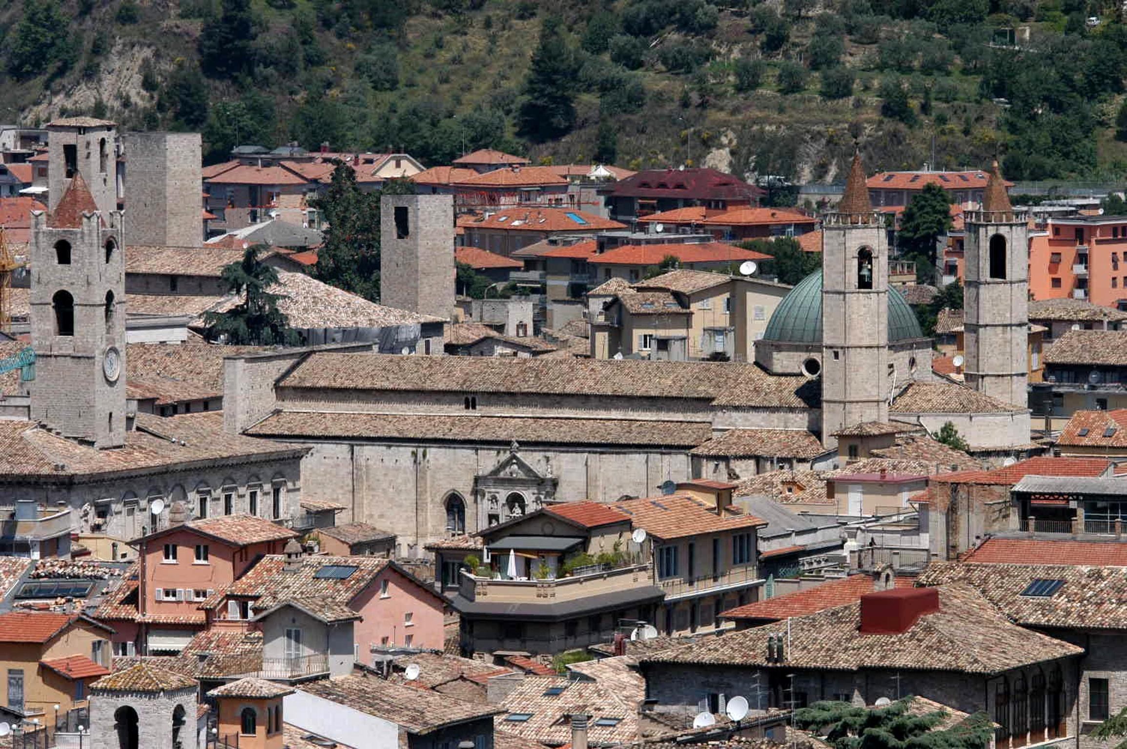 Ascoli Piceno, la città delle 100 torri © Foto Spot