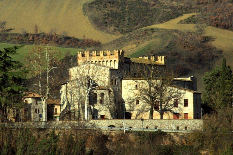 castello-conti-oliva-piandimeleto-betarice-bartoccioni