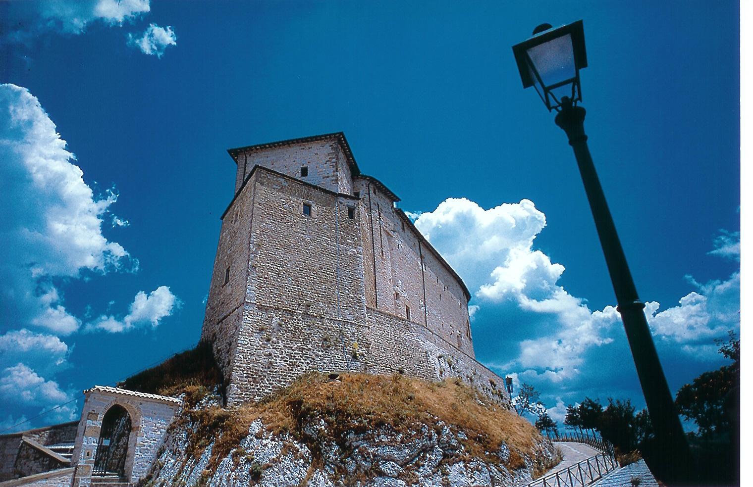 Il Castello di Frontone (PU)