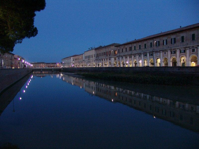 I Portici Ercolani di Senigallia e il fiume Misa © Paolo Turchi