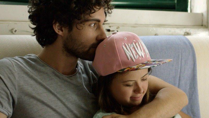 """Matteo e Giulia nel film """"Come saltano i pesci"""""""