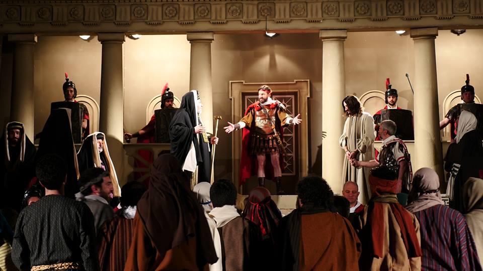 La Turba, il momento di Gesù da Pilato © Maurizio Tansini