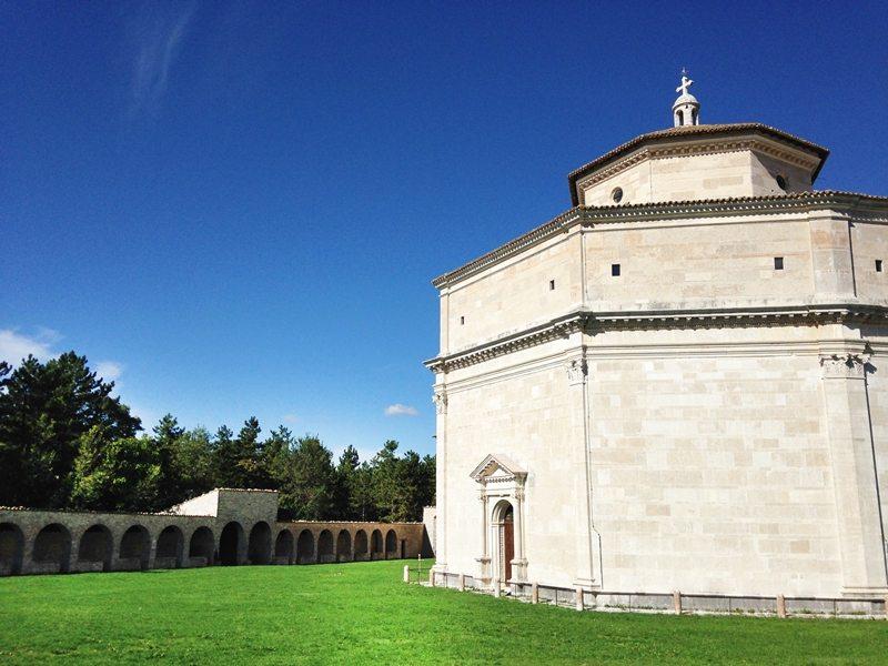 Il Santuario di Macereto © Blogtour #marchenatura