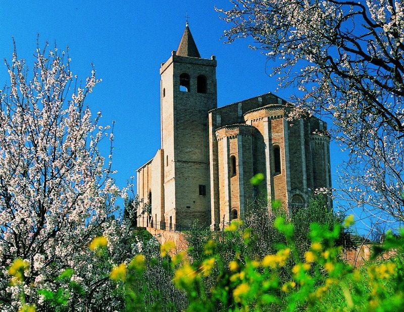Chiesa di Santa Maria della Rocca di Offida © Foto Turismo Marche