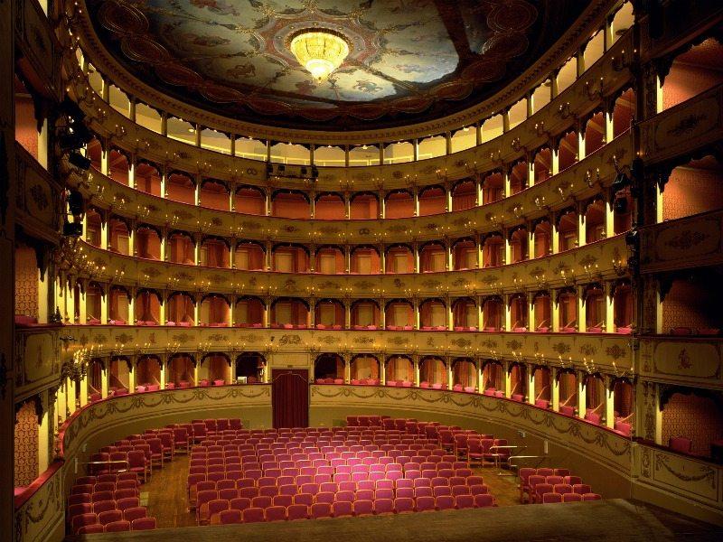 Pesaro-Teatro-Rossini-001
