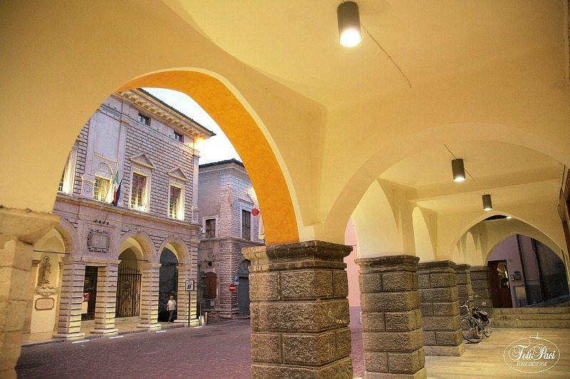 Le logge di Corso Garibaldi - Fossombrone Photowalk
