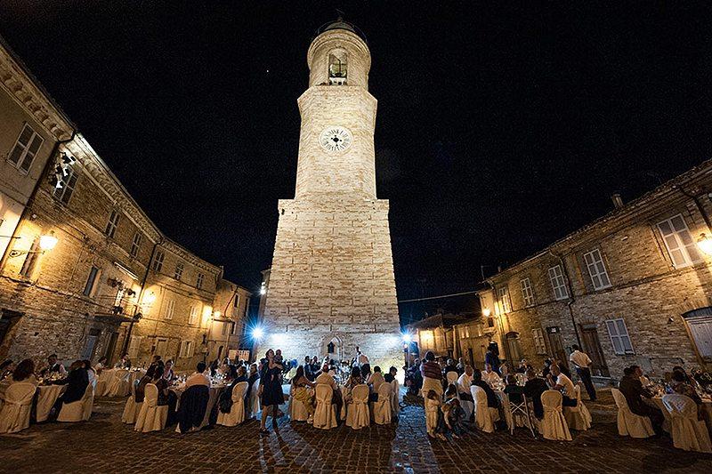 La piazza con la Torre Civica: una delle location più richieste