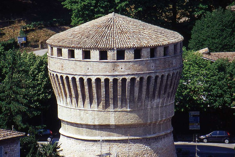Il Torrione di Cagli, realizzato da Francesco di Giorgio Martini, sec. XV