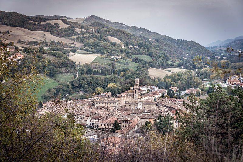 Una veduta di Mercatello sul Metauro (Foto © Roberto Mezzano)