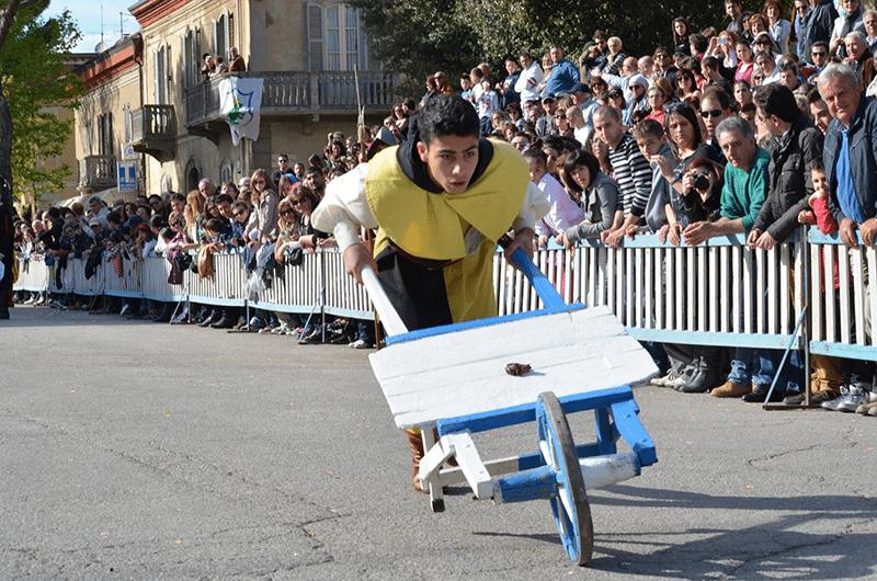 La corsa della rana, a Fermignano