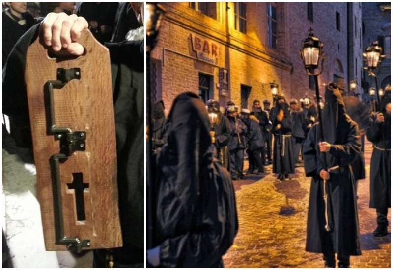 Processione dei Sacconi ad Osimo e battistangola a sinistra