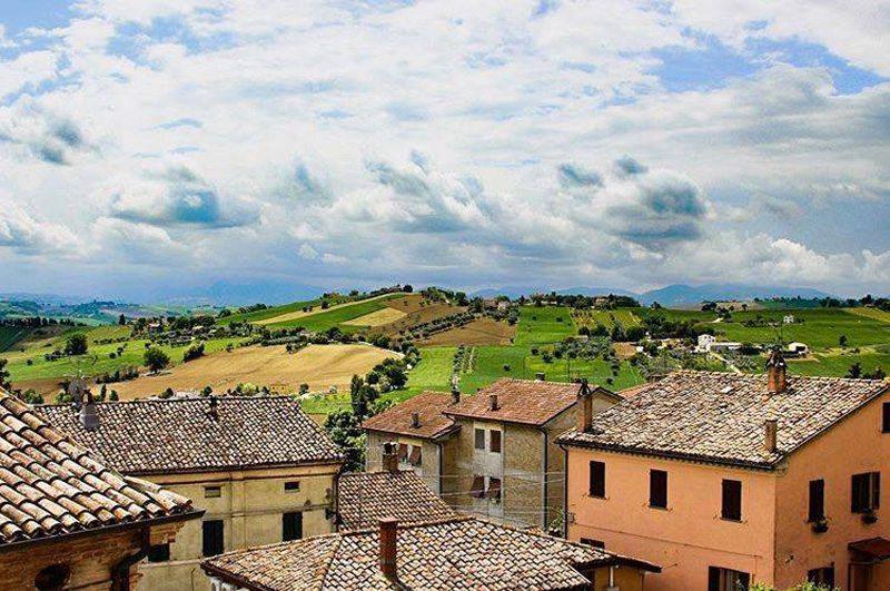 Le campagne della Vallesina (Foto © Eleonora Borghi by Instagram)