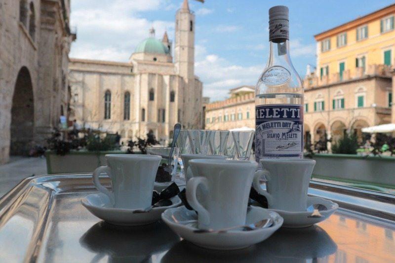 Anisetta al caffè Meletti di Ascoli Piceno - Foto di Francesca Fraintesa Barbieri