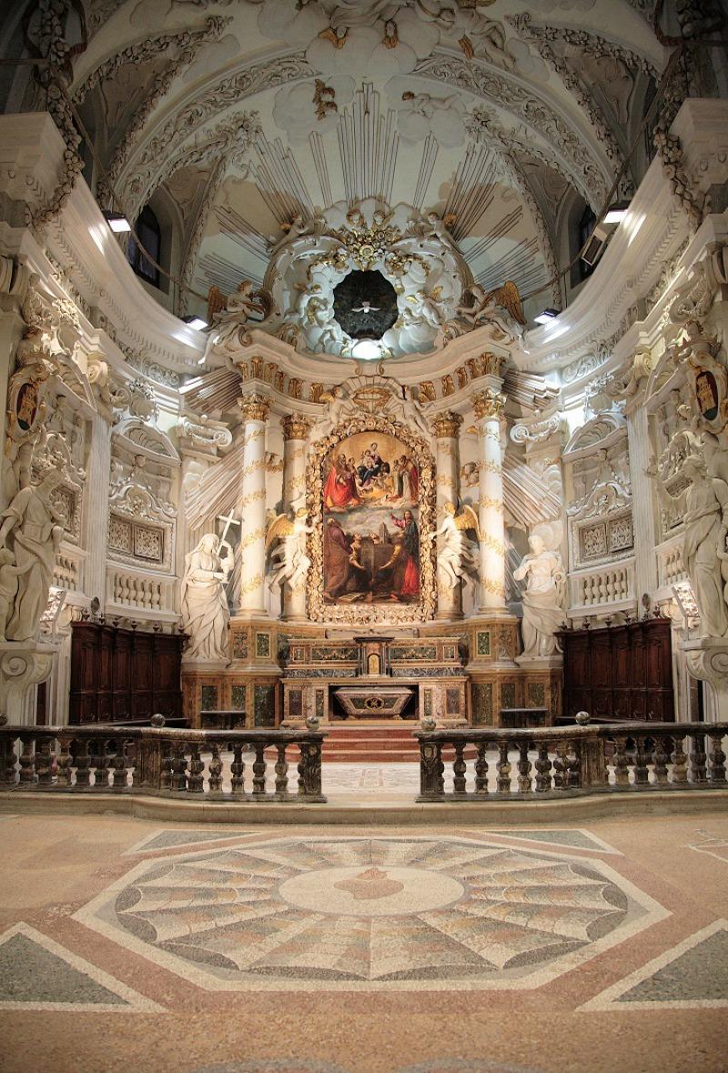 10 cose da fare a Fossombrone: interno della Chiesa di San Filippo in Fossombrone