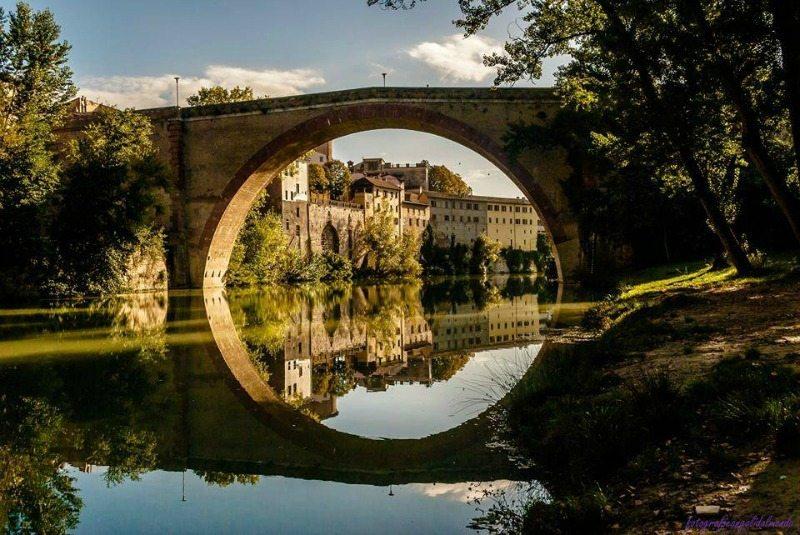 """Immagine deI Ponte della Concordia detto """"l'occhio di Fossombrone"""" - Foto di Paulo Marcelo Peralta"""
