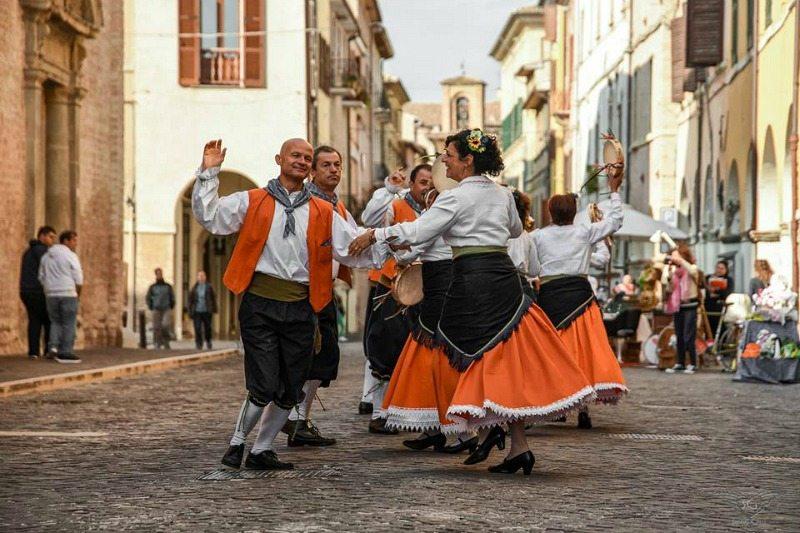 Photowalk Fossombrone: Balli Folkloristici