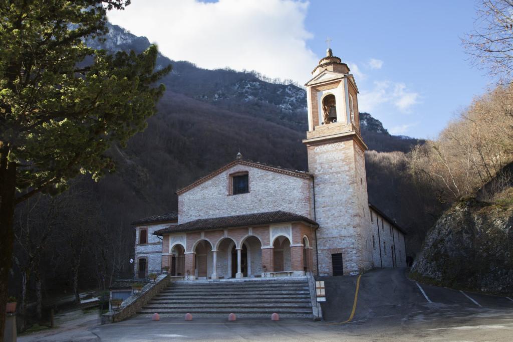 Montefortino-Santuario-Madonna-dell'Ambro