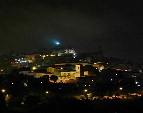 La città di Fermo. Foto @salvax11 da Instagram