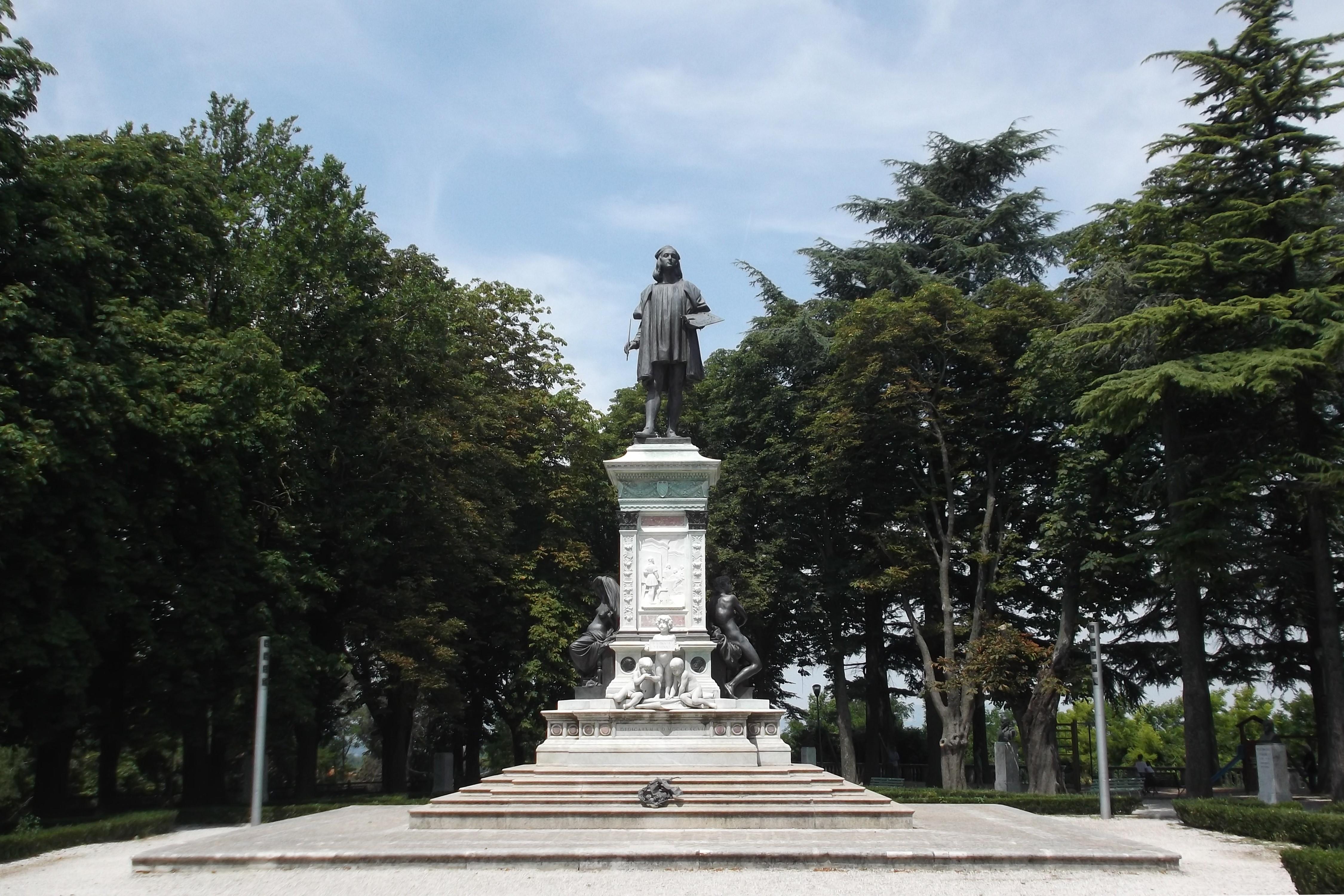 Statua di Raffaello a Urbino