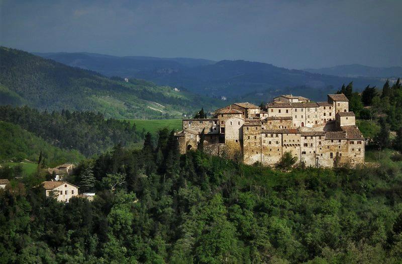Avacelli, uno dei castelli di Arcevia