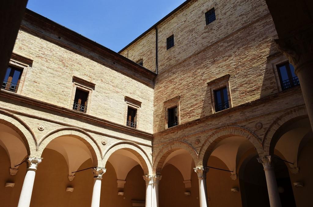 cortile palazzo bonafede