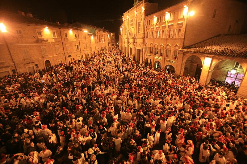 Piazza del Popolo invasa nel periodo di Carnevale