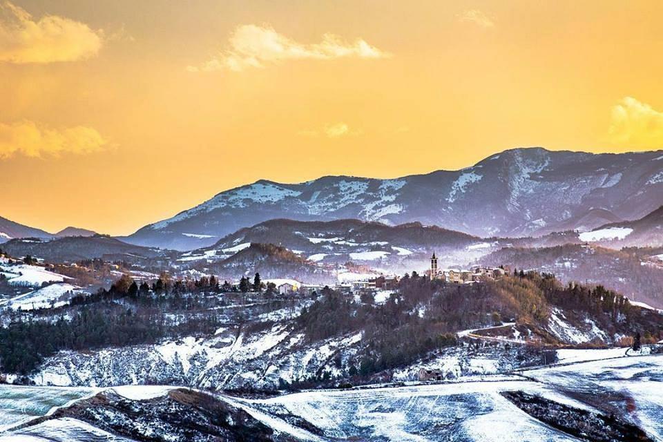 Paesaggio innevato Valle del Foglia