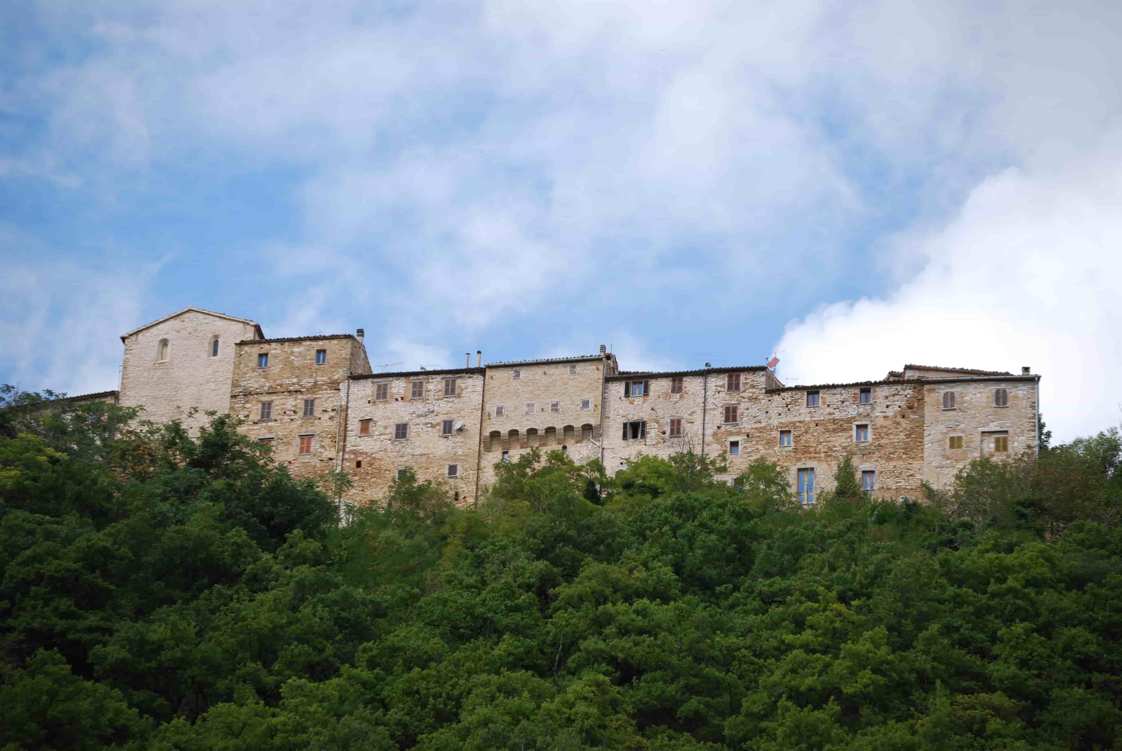 Castelli di Arcevia: una veduta di Avacelli