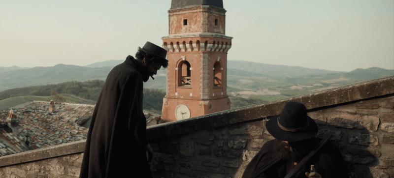 Scena del film La Banda Grossi al castello di Frontone