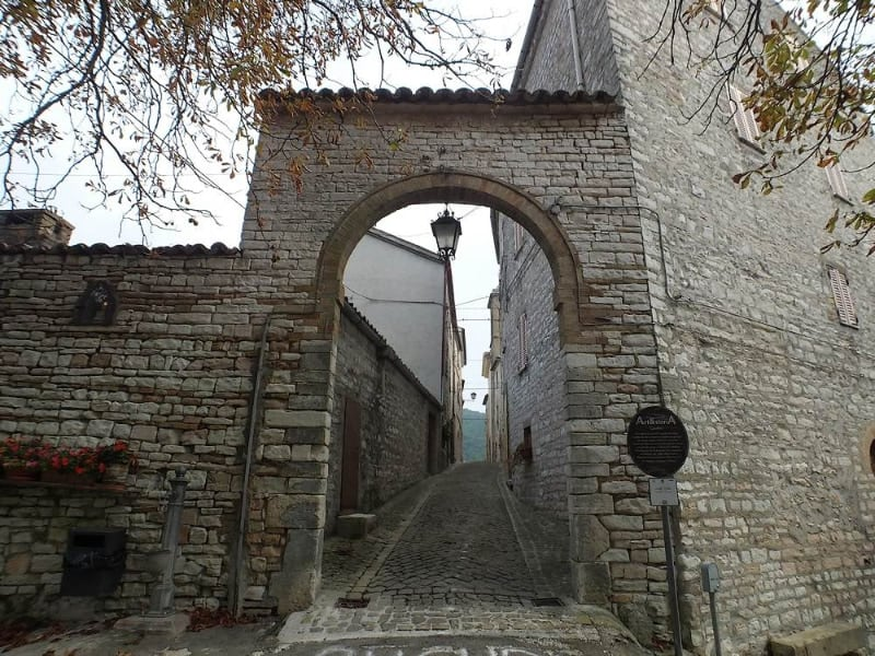 I castelli di Arcevia: Caudino