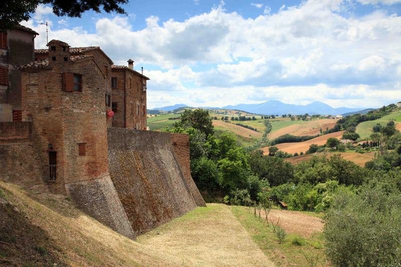 I Castelli di Arcevia: Loretello