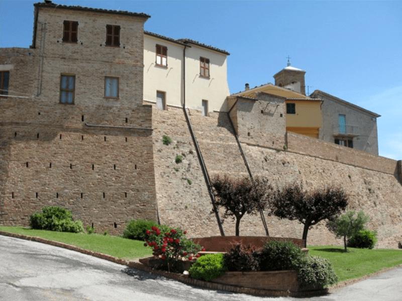 I castelli di Arcevia: Montale