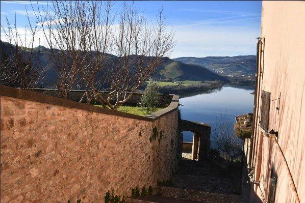 Lago di Mercatale Sassocorvaro Marche