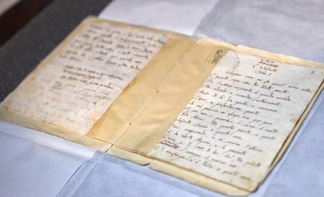 manoscritto originale Infinito di Leopardi