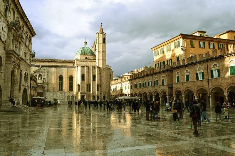 Ascoli Piceno, la città di travertino